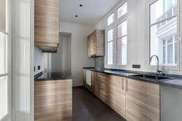 Appartement de 220 m2 - Paris 17e: Cuisine de style de style Moderne par AD9 Agencement