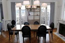 Contemporain et Haussmannien: Salle à manger de style de style Moderne par Agence Laurent Cayron