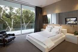 Vista 3D: Habitaciones de estilo moderno por INVERSIONES NACSE S.A.S.