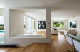 modernes traumhaus ganz in wei. Black Bedroom Furniture Sets. Home Design Ideas