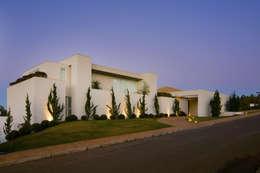 Casas de estilo moderno por Lanza Arquitetos