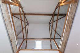Спальни в . Автор – Hampshire Design Consultancy Ltd.