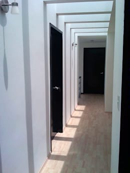 Коридоры, прихожие, лестницы в . Автор – CCA|arquitectos