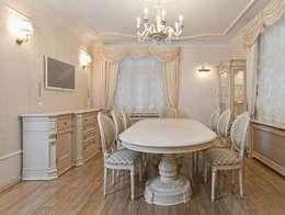 Столовая в классическом исполнении: Столовая комната в . Автор – URBAN wood