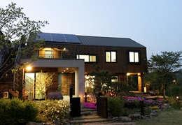 منازل تنفيذ 비온후풍경 ㅣ J2H Architects