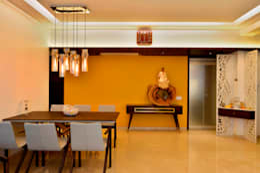 4 Bed Apartment Interior:  Corridor & hallway by Aum Architects