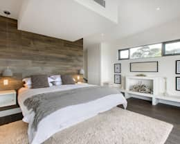 Main Bedroom: modern Bedroom by GSI Interior Design & Manufacture