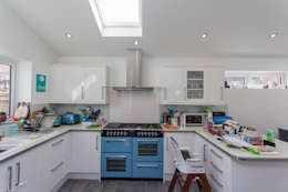 Dapur by Hampshire Design Consultancy Ltd.