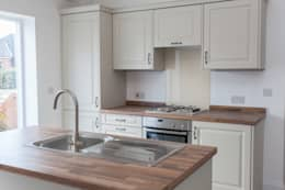 Cocinas de estilo rural de Hampshire Design Consultancy Ltd.
