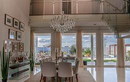 Comedores de estilo moderno por A/ZERO Arquitetura