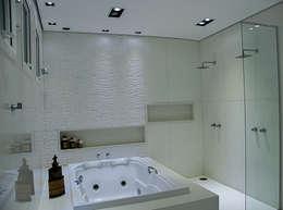 modern Bathroom by A/ZERO Arquitetura