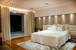 Dormitorios de estilo moderno por A/ZERO Arquitetura