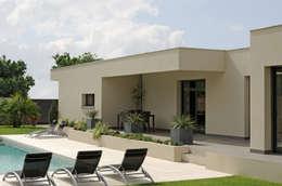 Casas de estilo mediterraneo por Pierre Bernard Création