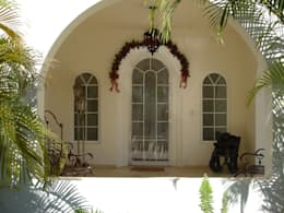 Puertas y ventanas de estilo mediterraneo por Ventanas SI Puertas