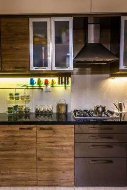 Kitchen : classic Kitchen by iSTUDIO Architecture