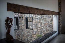 Corridor, hallway by Región 4 Arquitectura