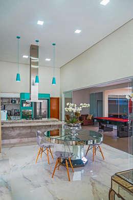 modern Kitchen by Daniele Galante Arquitetura
