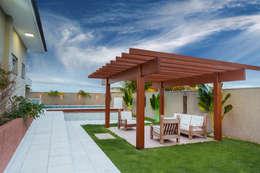 Jardines de estilo moderno por Daniele Galante Arquitetura