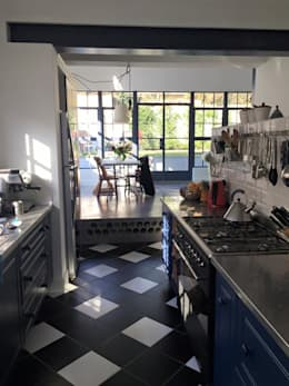 Alterations & Additions to house in Parkhurst, Johannesburg: eclectic Kitchen by 4D AND A ARCHITECTS