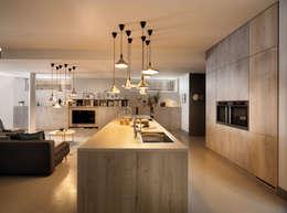 ARCOS  Tip-On von SCHMIDT Küchen: moderne Küche von Schmidt Küchen