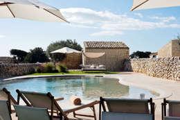 Piscinas de estilo rural por BB Architettura del Paesaggio