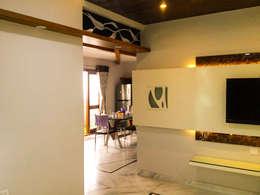 Interior Architecture:  Corridor & hallway by Urban Shaastra