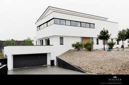 Casas de estilo ecléctico por Wagner Möbel Manufaktur