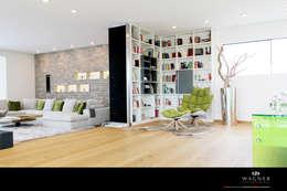 Wagner Möbel Manufaktur: eklektik tarz tarz Oturma Odası