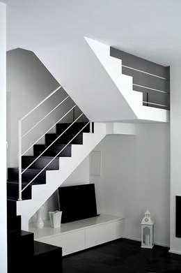 Livings de estilo moderno por Studio di Architettura Ortu Pillola e Associati