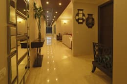 Hibiscus Gurgaon:  Corridor, hallway & stairs  by ACQ Design