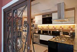 Cocinas de estilo moderno por  Spelzon Lima Arquitetura e Interiores