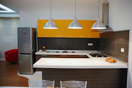 modern Kitchen by Bartolomeo Fiorillo