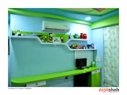 Hirenbhai@Gandhinagar: classic Bedroom by ARPIT SHAH PROJECTS OPC PVT LTD.