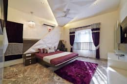 SADHWANI BUNGALOW: modern Bedroom by Square 9 Designs