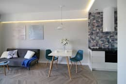 غرفة المعيشة تنفيذ ARTEMA  PRACOWANIA ARCHITEKTURY  WNĘTRZ