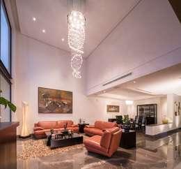 Salas / recibidores de estilo moderno por URBN