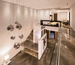 Toma panoramica: Casas de estilo moderno por URBN