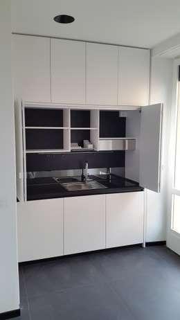 modern Kitchen by SIZEDESIGN SMART KITCHENS & LIVING