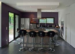 moderne Keuken door Pierre Bernard Création