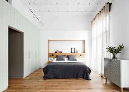ห้องนอน by BONBA studio