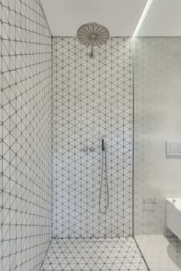 Baños de estilo moderno por LUV-Architecture & Design
