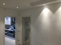Couloir et hall d'entrée de style  par GEP gruppo edile padova di favaro mauro