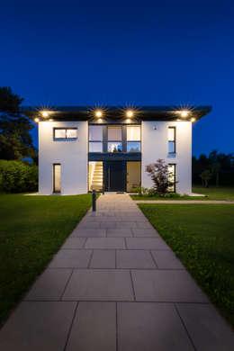 Projekty, nowoczesne Domy zaprojektowane przez Atelier Fürtner-Tonn