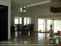 Recidencia Espinoza: Comedores de estilo moderno por AQ3 Arquitectos