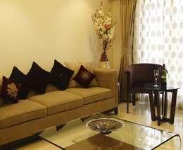Makeshift house for Panjabis.: minimalistic Living room by Neha Changwani