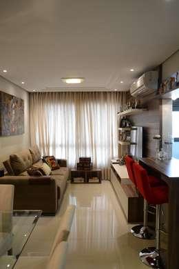 Salas / recibidores de estilo moderno por Expace - espaços e experiências