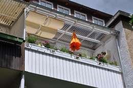 Terrazas de estilo  por DIE BALKONGESTALTER