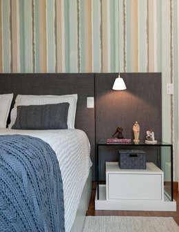 Dormitorios de estilo moderno por Ambienta Arquitetura