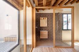 mediterranean Bathroom by Lara Pujol  |  Interiorismo & Proyectos de diseño