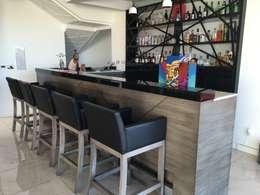 23 fant sticas ideas para tener tu propio minibar en casa for Bar movil de madera